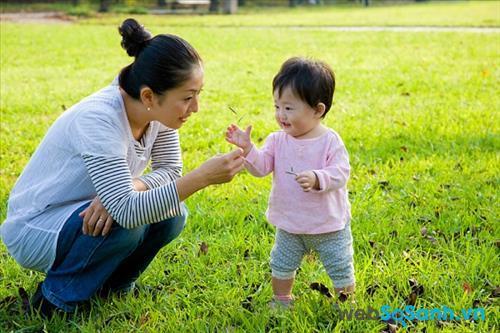 Vận động ngoài trời là cách tốt nhất để trẻ phát triển khả năng vận động
