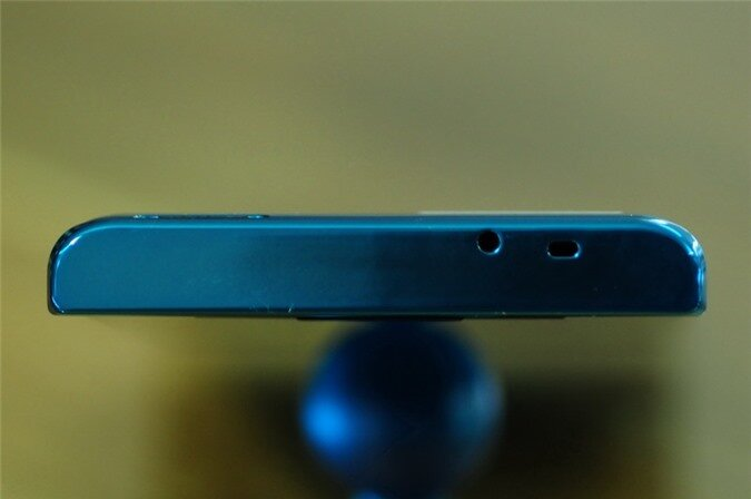 p02e blue (7).