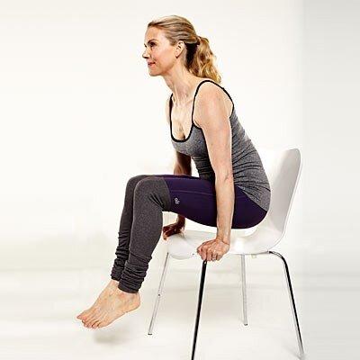 7 động tác yoga tại chỗ với ghế đơn giản nhưng hiệu quả