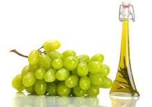 7 lý do nên làm đẹp ngay với dầu hạt nho