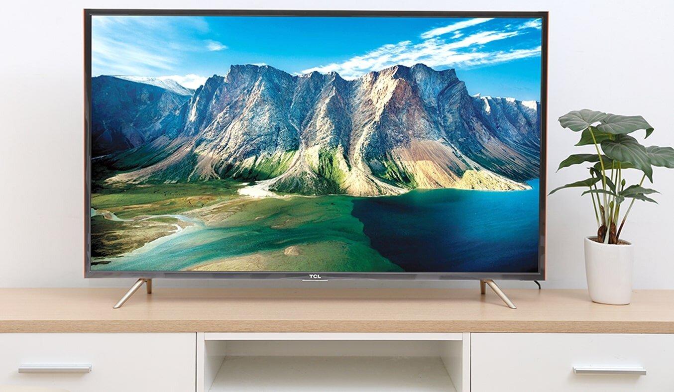 Smart Tivi Full HD TCL có thiết kế phù hợp với mọi không gian