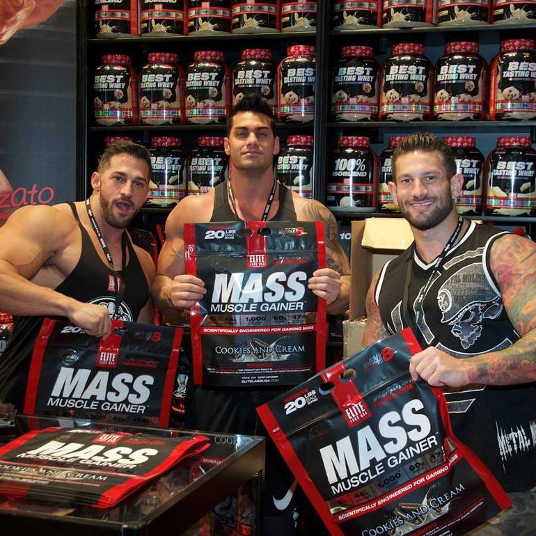 Sữa tăng cân Mass Muscle Gainer phù hợp cho người tập Gym và chơi thể thao.
