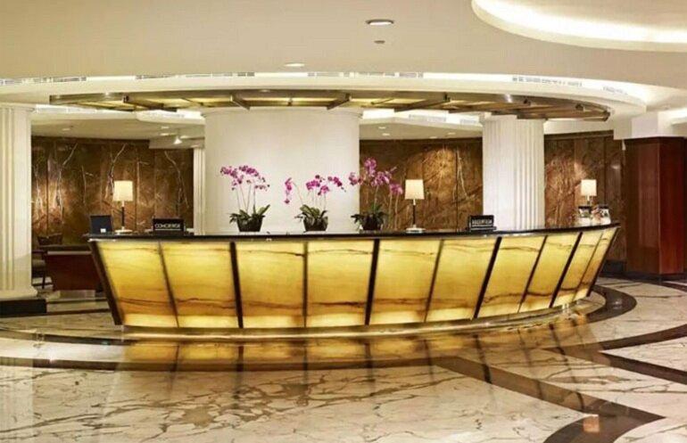 Quầy lễ tân khách sạn hình cánh cung