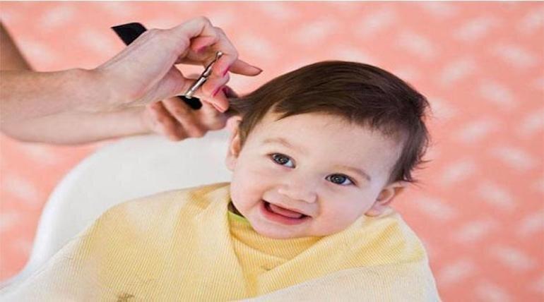 Mẹo chăm sóc tóc cho bé gái mọc dày, óng mượt