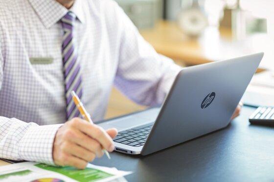8 laptop siêu bền tốt nhất hiện nay của HP, Dell, Panasonic, Lenovo