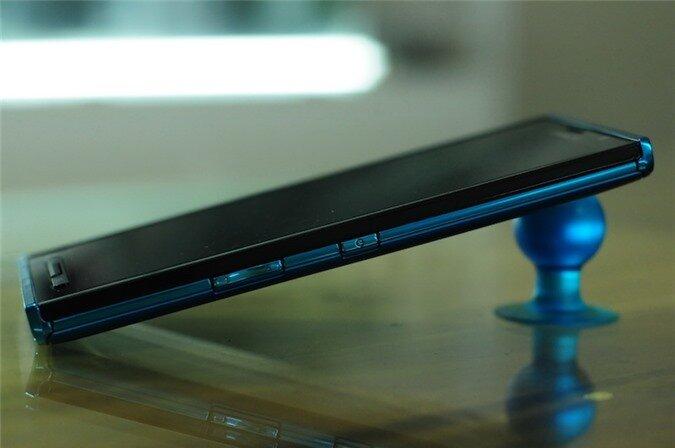 p02e blue (4).