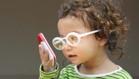 8 dấu hiệu cho thấy trẻ có vấn đề về mắt