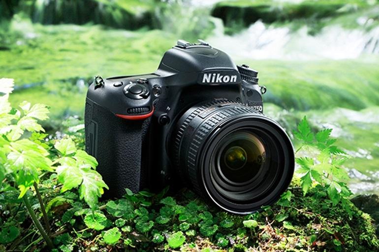 máy ảnh full frame giá rẻ
