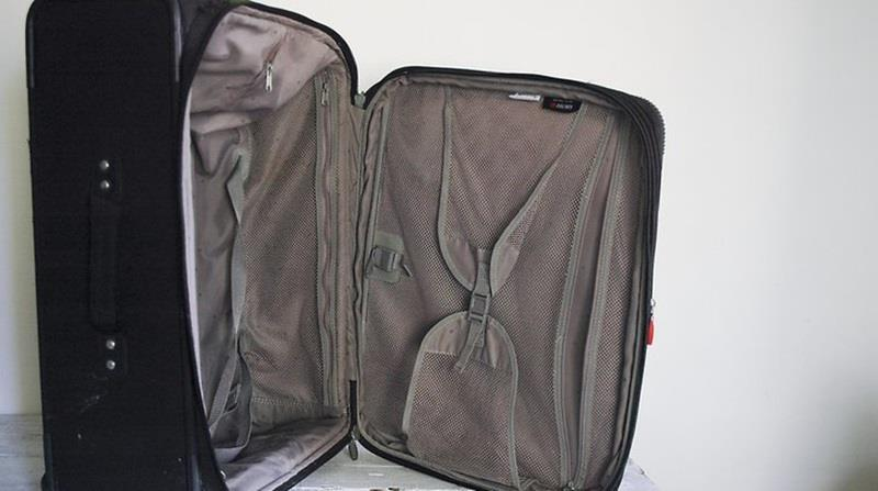 cách giặt vệ sinh vali du lịch