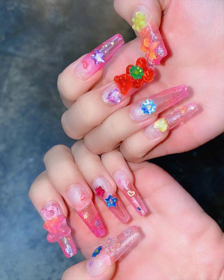 sơn móng tay Black Pink