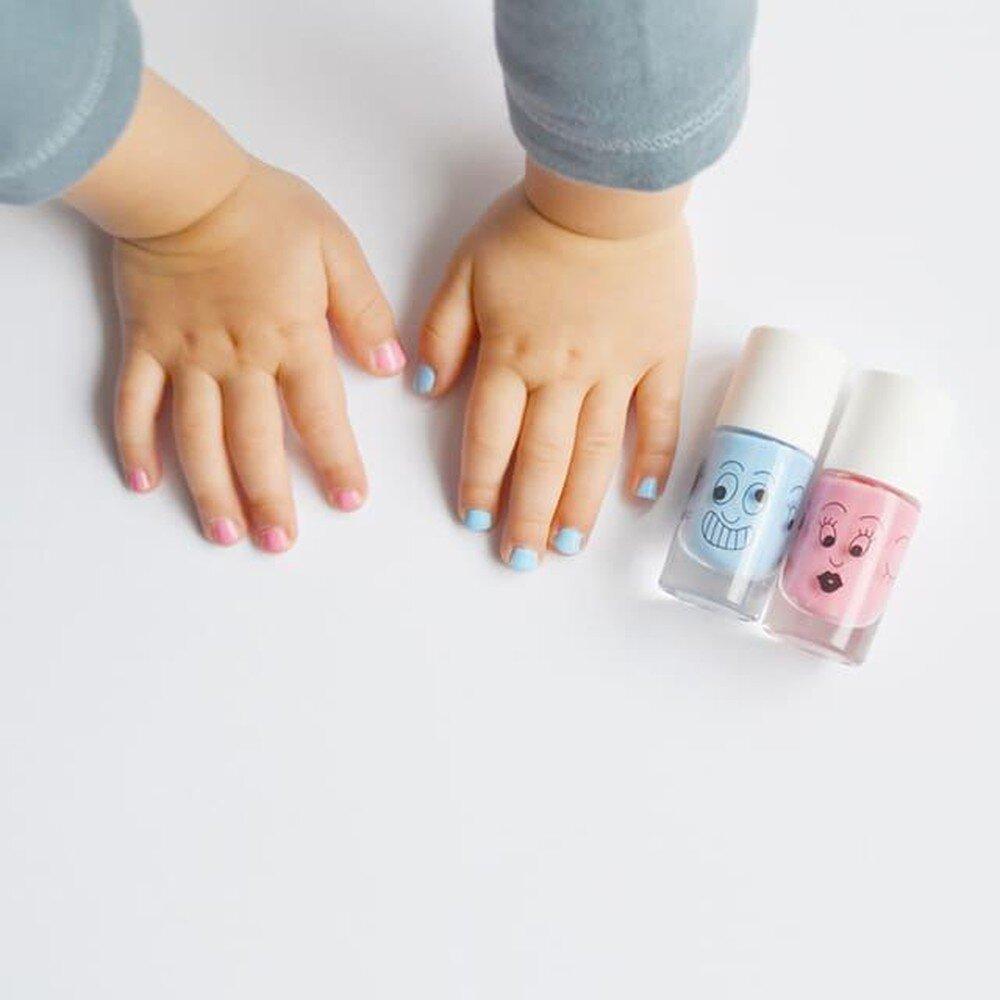 sơn móng tay trẻ em