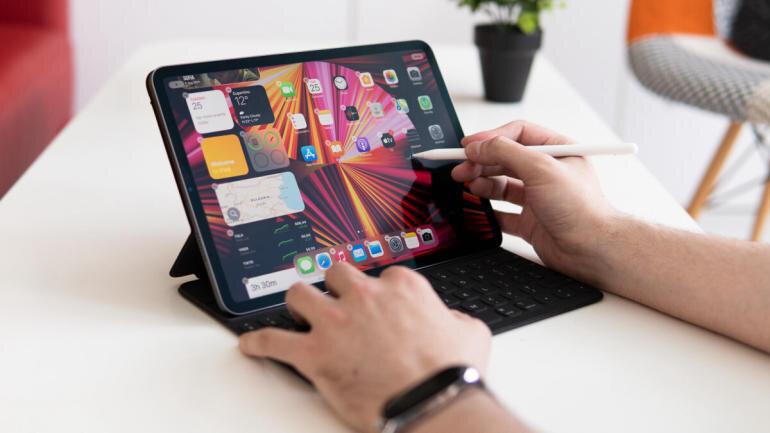 iPad Pro M1 có thể thay thế được laptop?