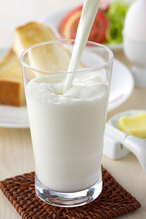 """9 công dụng """"kỳ lạ"""" của sữa tươi có thể bạn chưa biết"""