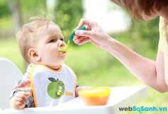 9 đồ dùng cần thiết giúp bé làm quen với việc ăn dặm