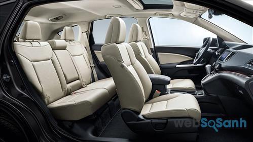 Khoang ghế ngồi rộng rãi, tạo sự thoải mái cho những người ngồi trên xe