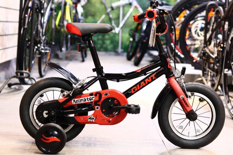 Xe đạp trẻ em 2 tuổi Giant Animator F/W 12 - Giá tham khảo: 3.990.000 vnđ