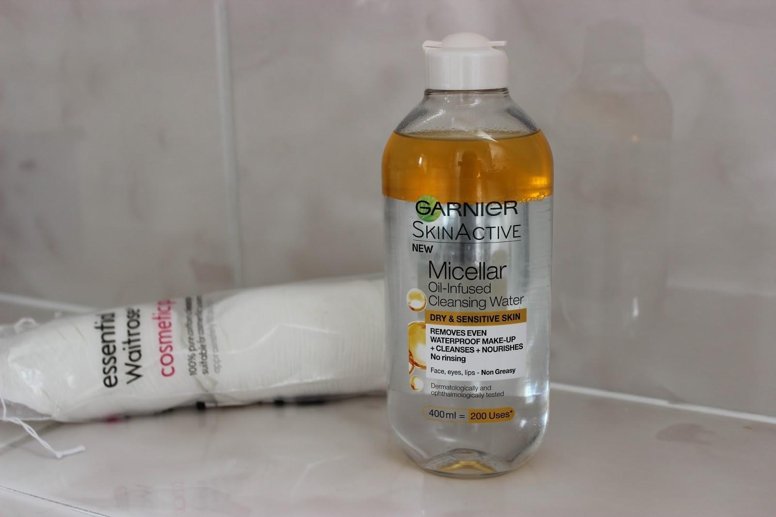 Sản phẩm tẩy trang Garnier Skin Active Oil Infused Micellar Cleansing Water