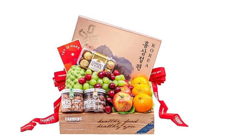 Giỏ quà Tết trái cây nhập khẩu Farmers' Market - Giá tham khảo: 3.000.000 vnđ