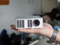 So sánh máy chiếu mini cường độ sáng cao Optoma ML1000 và 3M MP410