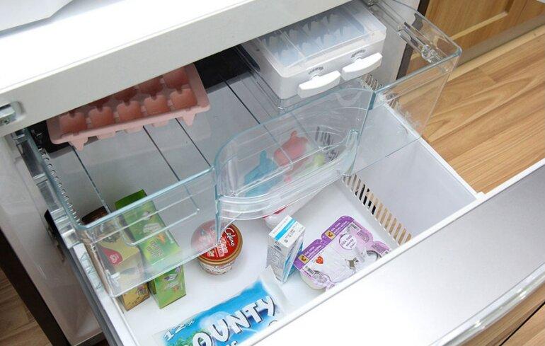 Tủ lạnh 3 cánh Hitachi R-SG38FPGV (GS) 375L là tủ lạnh ngăn đá dưới