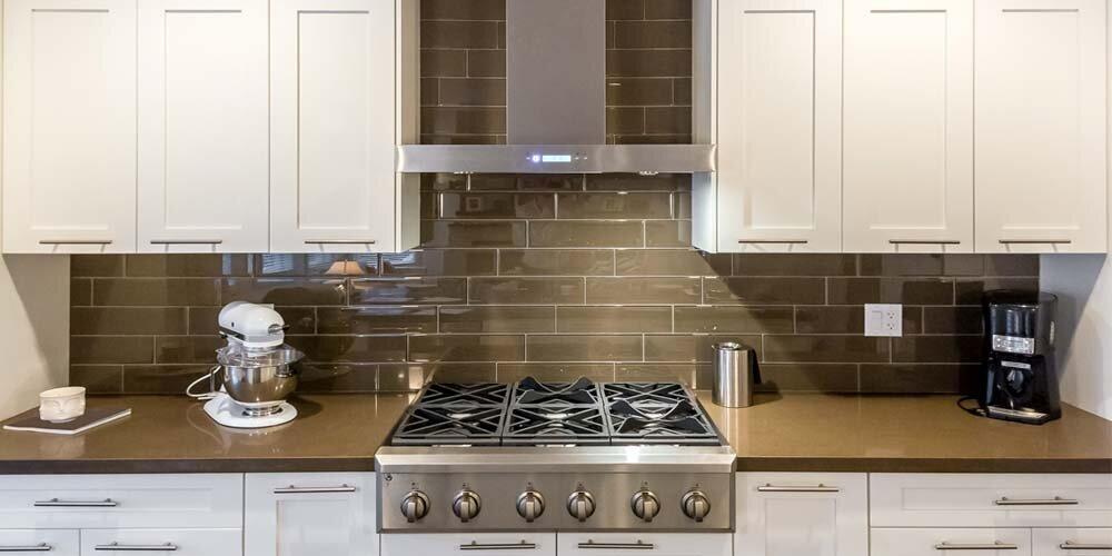 Với nhiều kiểu dáng khác nhau, máy hút mùi Faster phù hợp cho nhiều không gian và diện tích bếp khác nhau