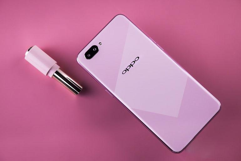 Điện thoại Oppo A5 chính thức ra mắt - Trang bị camera kép và màn hình tai thỏ