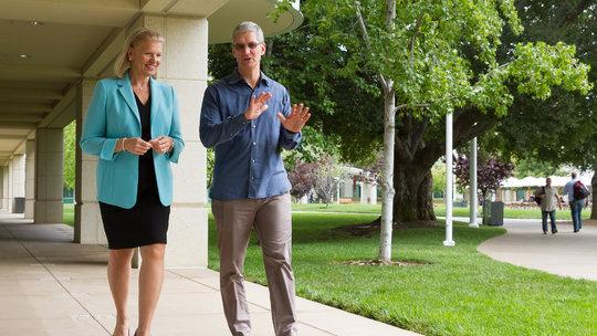 Apple hợp tác với IBM để đưa các thiết bị iOS vào thị trường doanh nghiệp