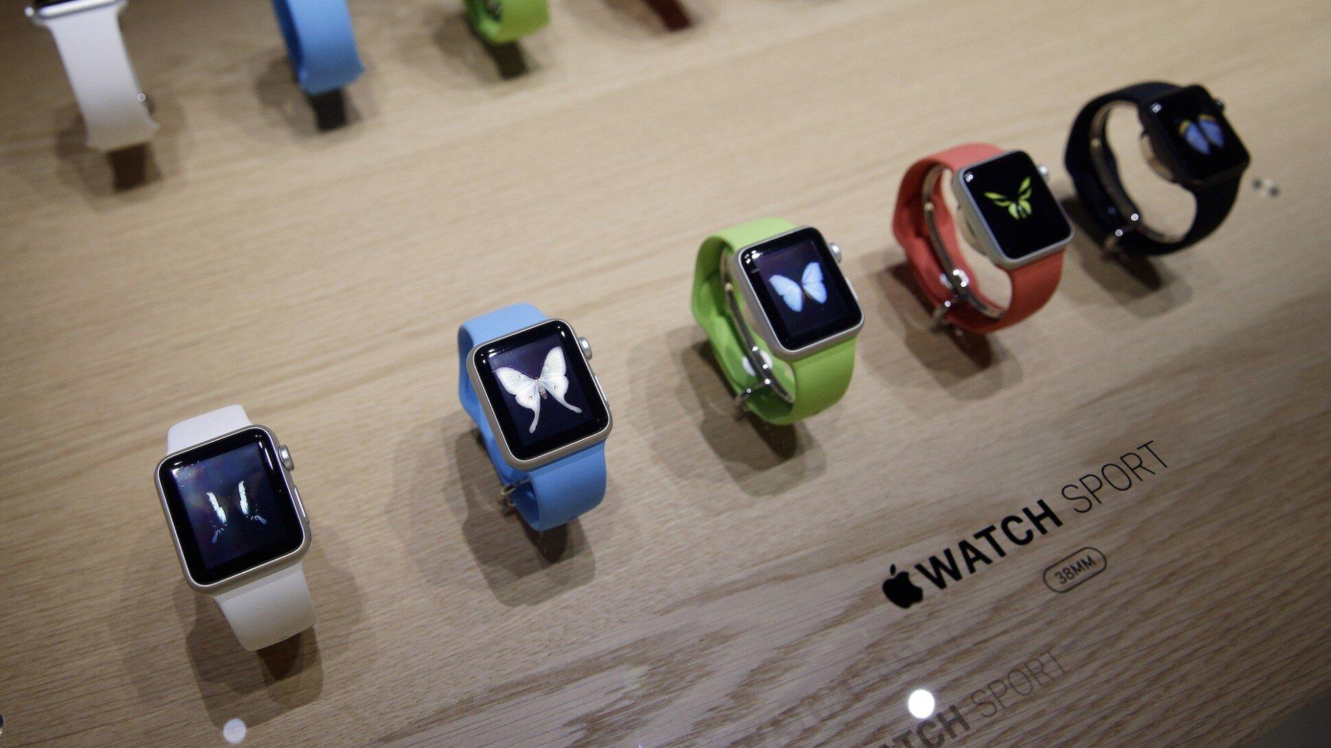 Apple Watch cán mốc một triệu đơn đặt hàng trong ngày đầu tiên