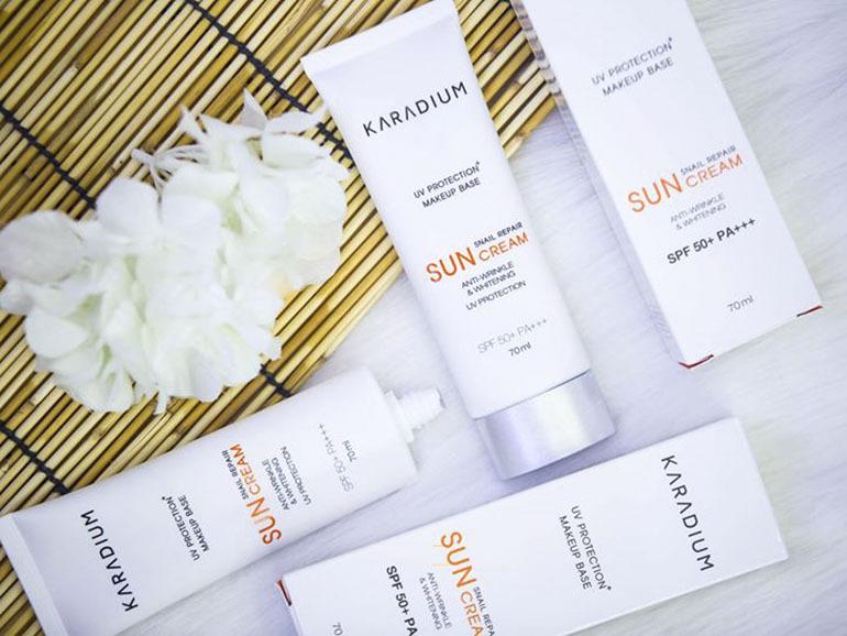 Kem chống nắng vật lýKaradium Snail Repair Sun Cream SPF 50+ PA+++ có thành phần từ thiên nhiên thân thiện với làn da người sử dụng
