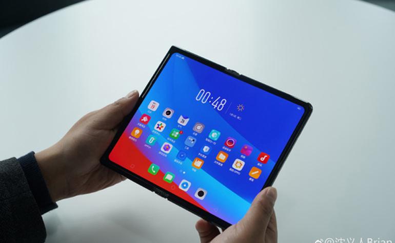 smartphone màn hình có thể gập được