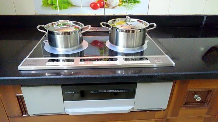 so sánh bếp từ Nhật Hitachi và Panasonic loại nào tốt