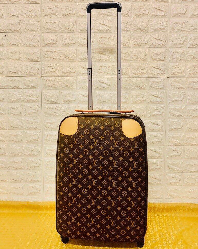 Lựa chọn mẫu mã, kích thước vali Louis Vuitton phù hợp