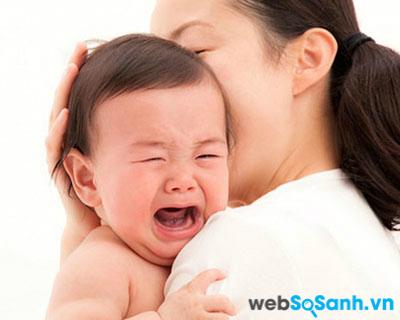 Trẻ sau khi ốm thường quấy và ăn ít hơn mẹ không nên lo lắng