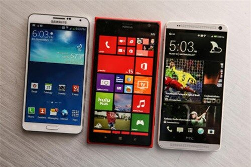 Từ trái sang phải: Samsung Galaxy Note 3, Nokia Lumia 1520, HTC One Max