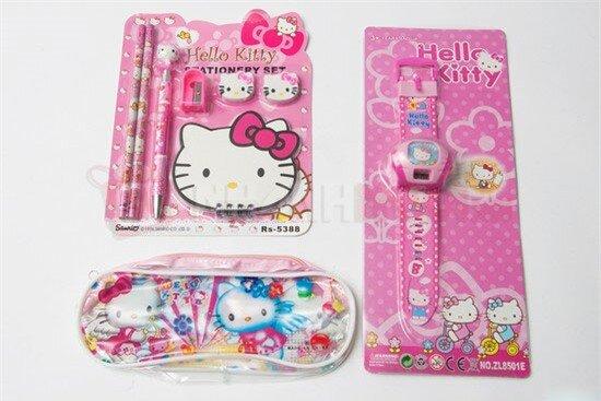 Bộ đồ dùng học tập Hello Kitty thiết kế đáng yêu, bắt mắt