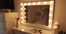 Bạn đã biết cách lựa chọn đèn led trang trí cho bàn trang điểm chưa?