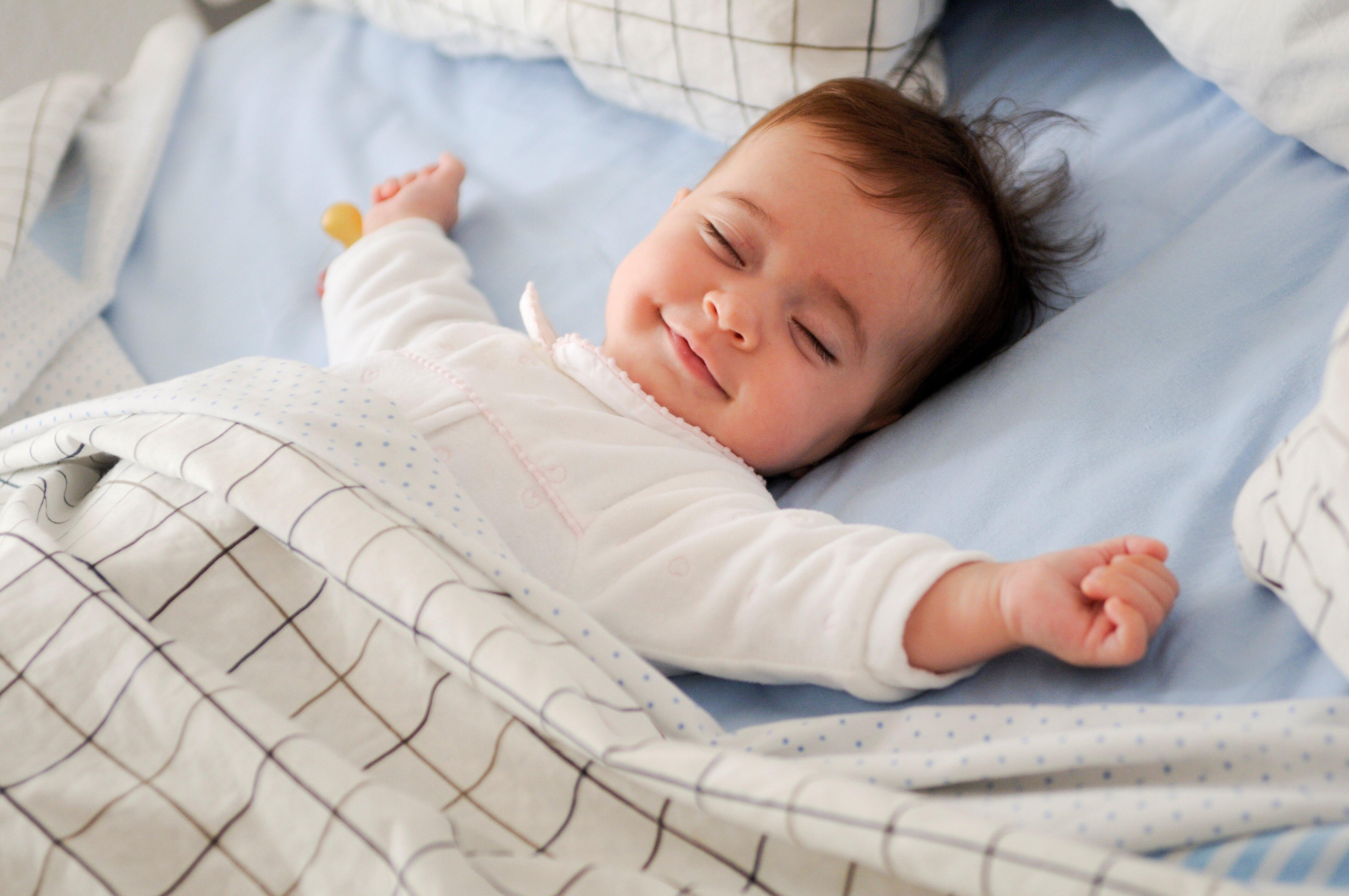"""Bạn nên ngủ bao nhiêu tiếng mỗi ngày – Thời gian ngủ """"chuẩn"""" cho từng lứa tuổi"""