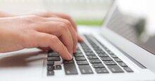 Bàn phím tự động nhảy chữ: Nguyên nhân và cách xử lý