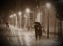 Bạn sẽ làm gì nếu đang đi du lịch mà gặp… mưa?
