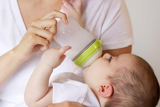 Bảng giá bình sữa trẻ em Comotomo cập nhật tháng 3/2017
