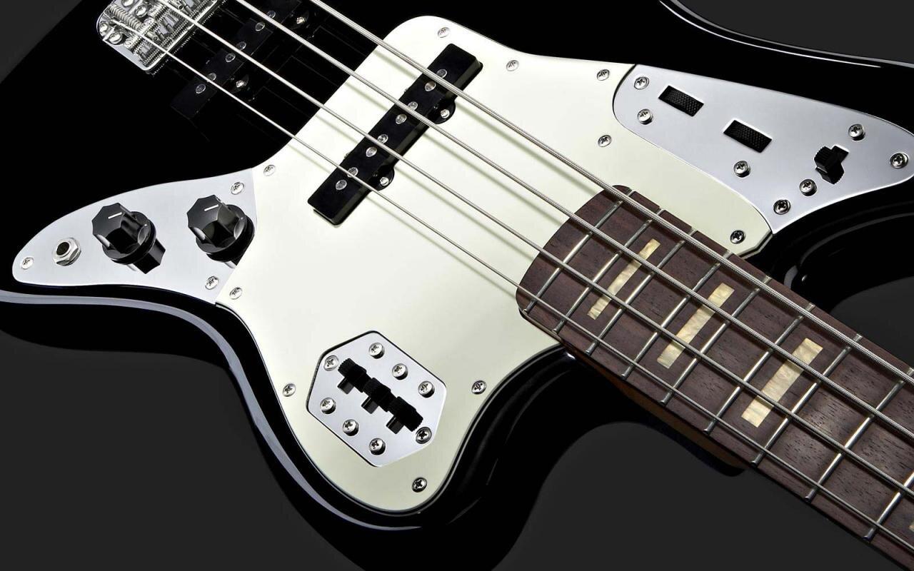 Bảng giá đàn Guitar bass cập nhật thị trường năm 2015