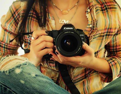Bảng giá những máy ảnh DSLR tầm trung đáng mua nhất trong dịp Tết 2015