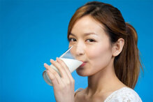Bảng giá sữa tươi và sữa bột nguyên kem cập nhật tháng 12/2015