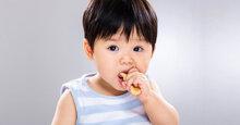 Bánh ăn dặm cho bé 7 tháng loại nào ngon, dễ ăn?