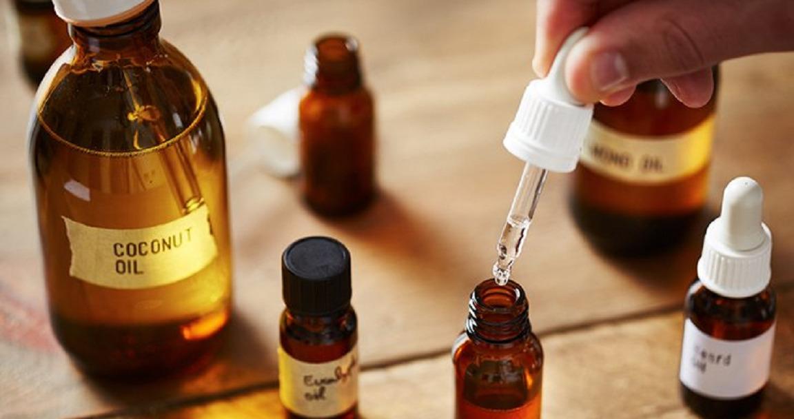 Khi sử dụng dầu dưỡng cho da dầu, da mụn, bạn nên chú ý một chút