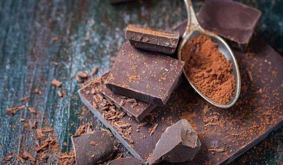 Ăn chocolate đen