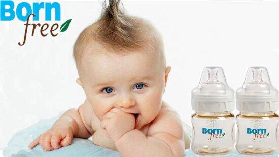 Bé thích thú uống sữa với Bình sữa Born Free Nhựa PES 150ml
