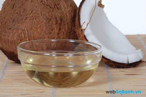 Bí kíp tách vỏ dừa dễ dàng