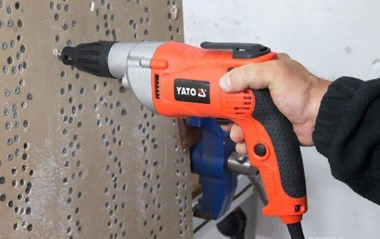 Máy khoan vặn vít dùng điện Yato YT-82070