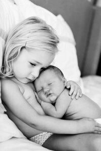 Bộ ảnh khiến ông bố bà mẹ nào cũng muốn sinh thêm em bé
